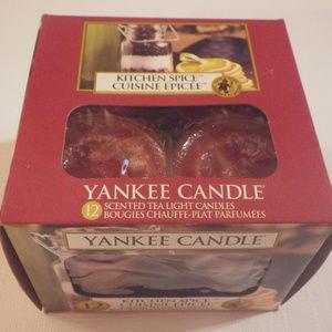Yankee Candle Kitchen Spice Tea Lights Red NIB